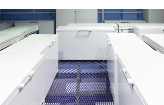 congelatore da laboratorio a pozzetto